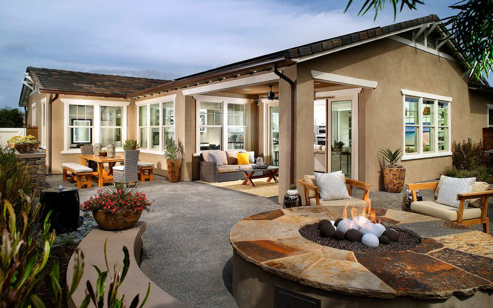 Esencia  Avocet Plan 2 outdoor patio space
